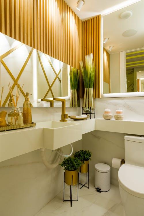 Lyst badeværelse